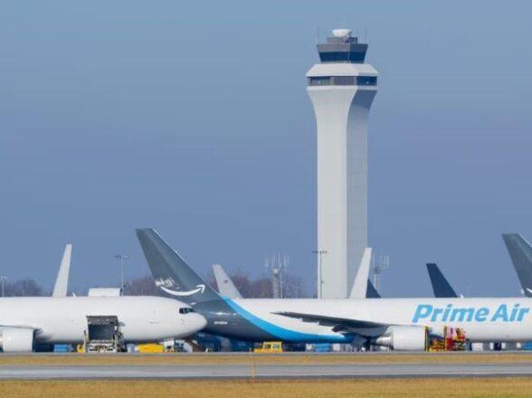 El rápido crecimiento y la expansión de la flota de Amazon Air